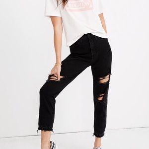 """""""mom"""" jeans in black wash"""